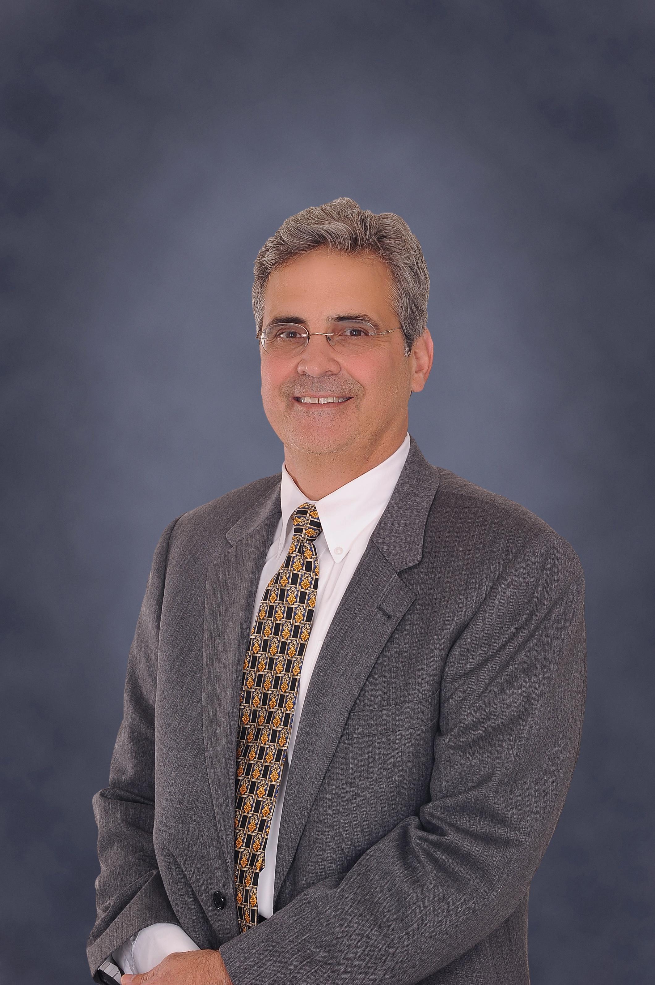 Dr. Antonio Ruiz